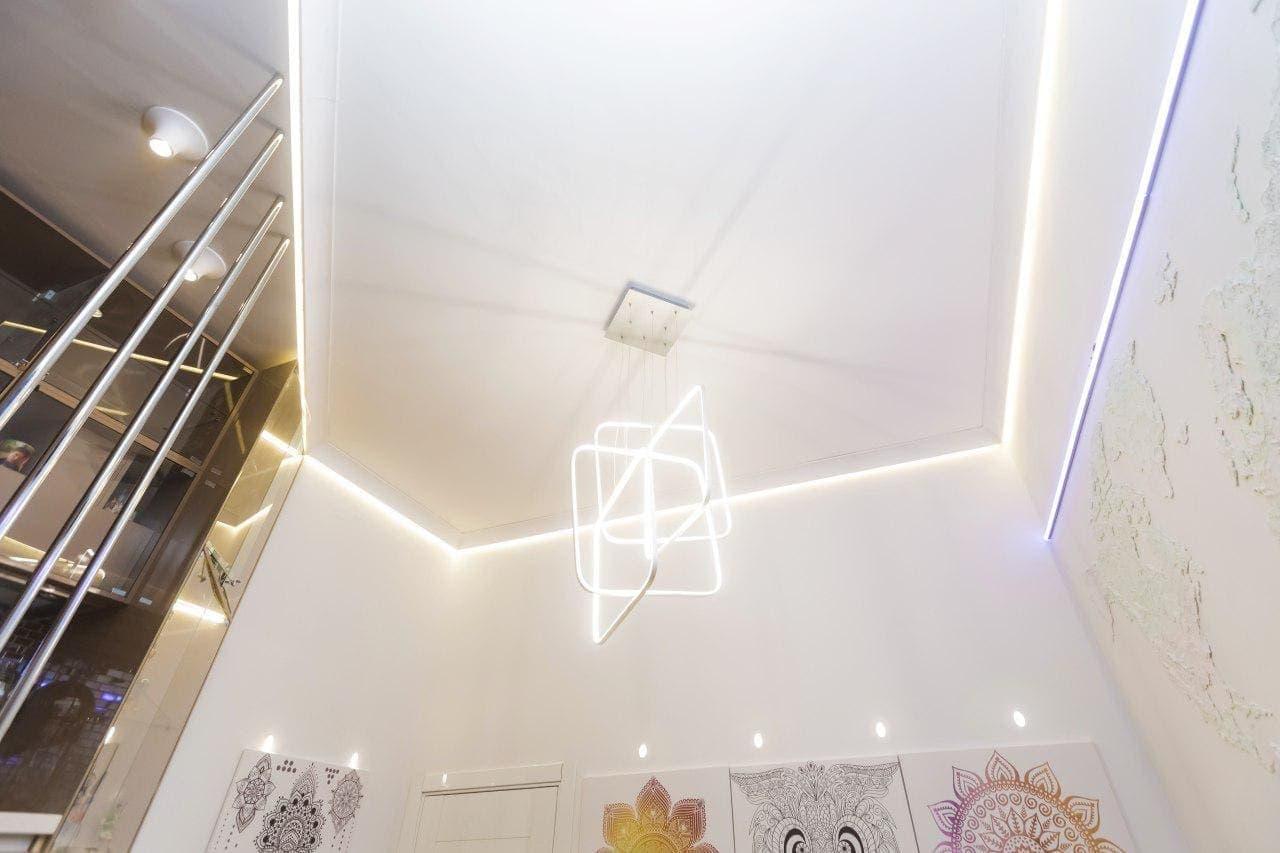 Парящий натяжной потолок в детской 16 м2 цены
