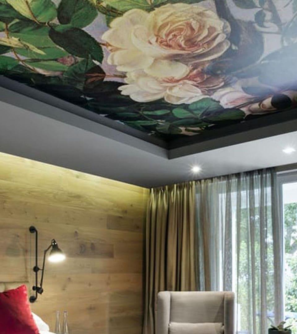 Натяжной потолок с фотопечатью в спальне 10 м2 3