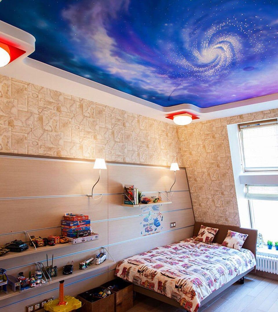 Натяжной потолок с фотопечатью в детской 16 м2 3