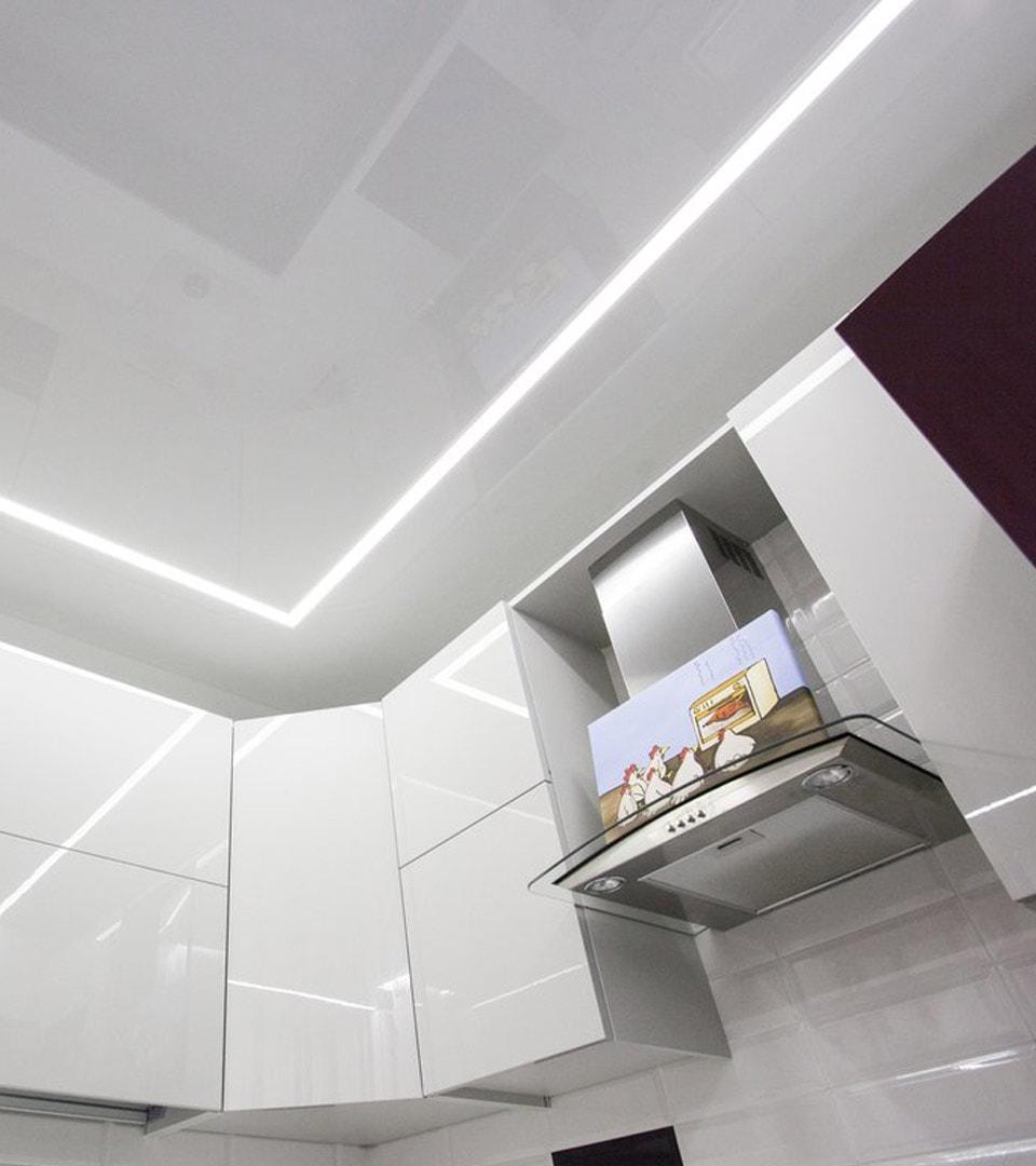Натяжной потолок световые линии 11 м2 1