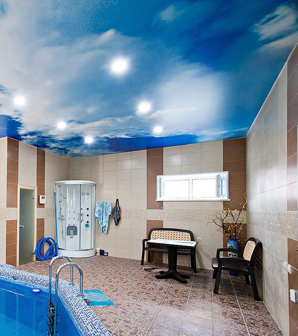Натяжной потолок с фотопечатью в бассейне 30 м2 1