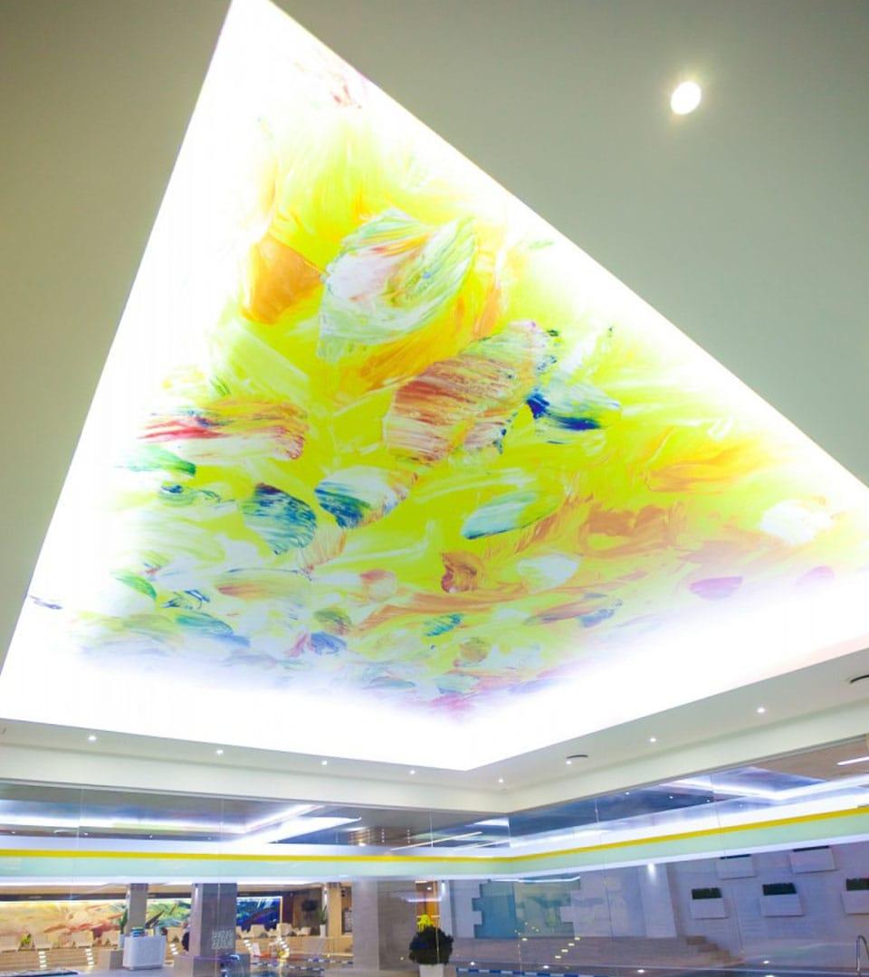Натяжной потолок с фотопечатью в бассейне 40 м2 3