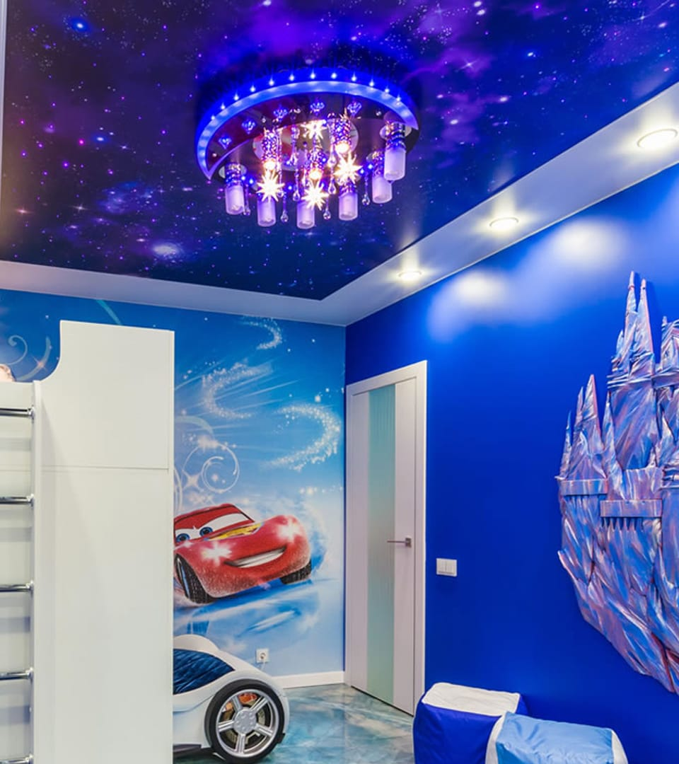 Натяжной потолок звездное небо в детской 12 м2 1