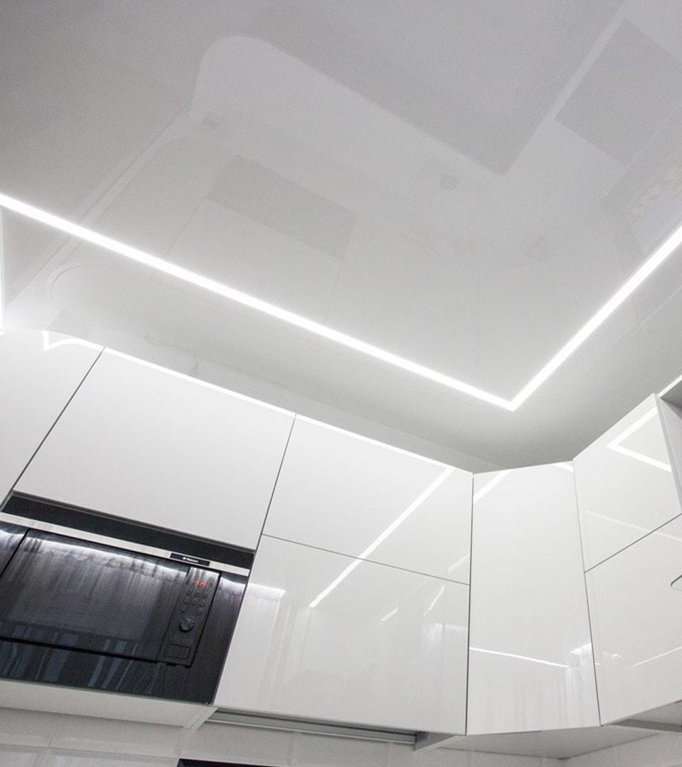 Натяжной потолок световые линии 11 м2 3