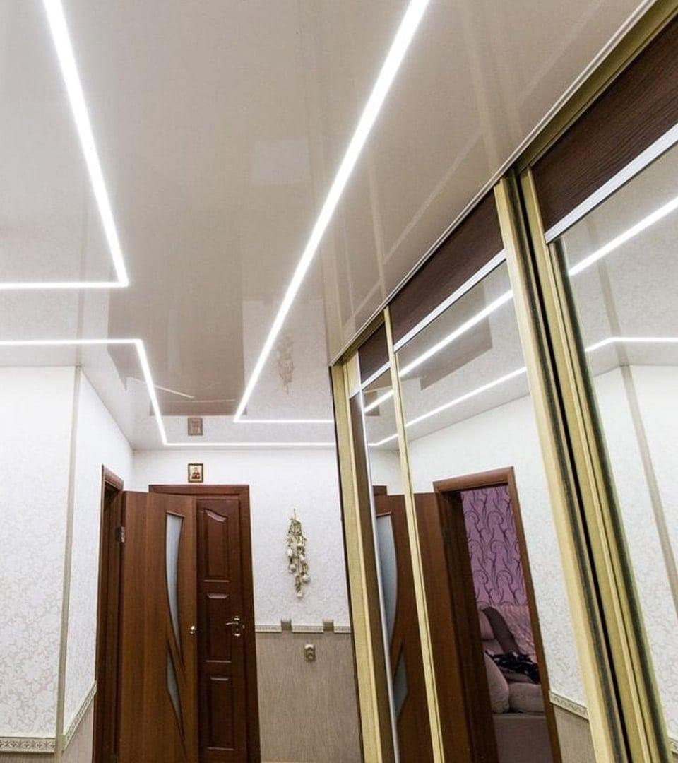 Цены натяжных потолков световые линии 4