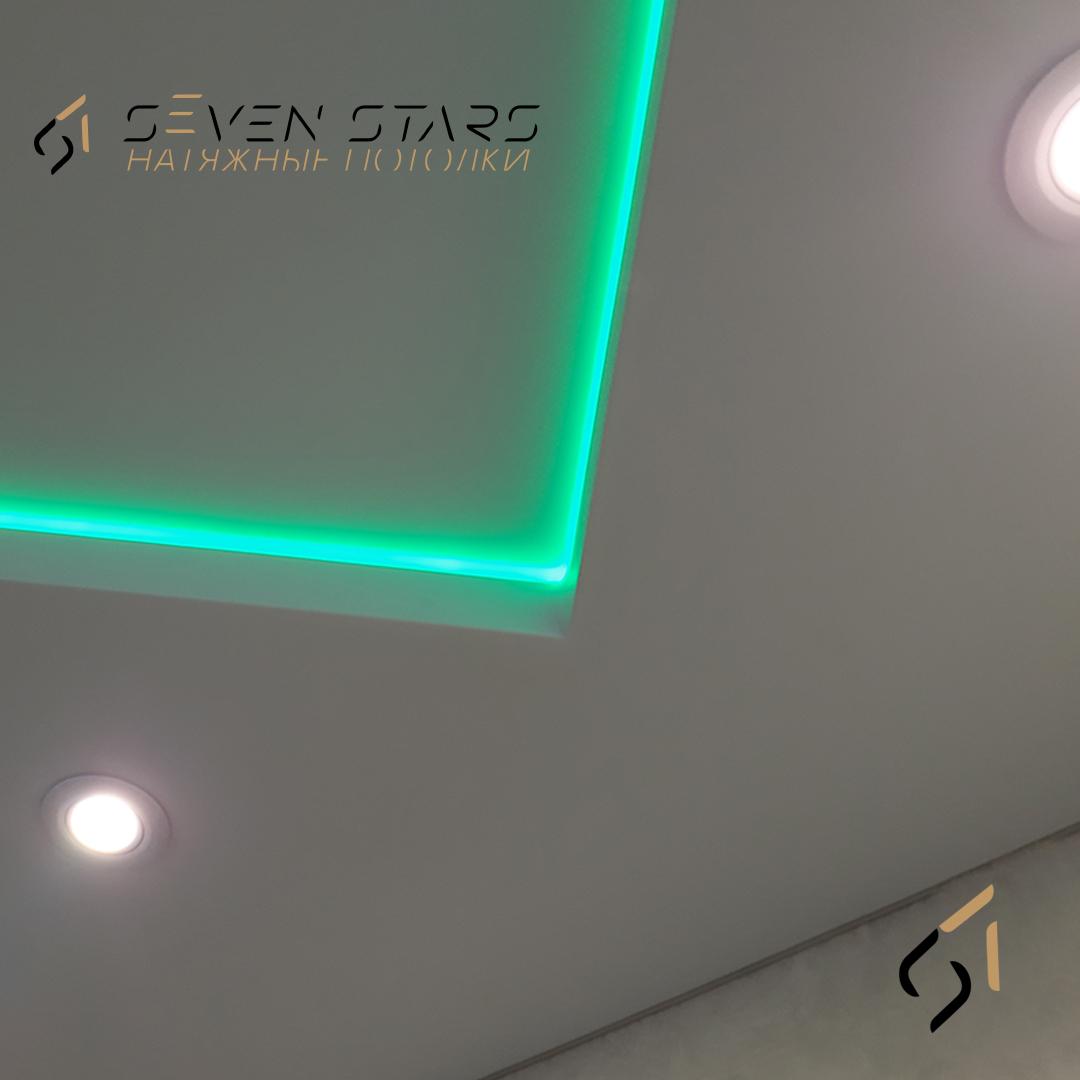 Двухуровневый потолок с подсветкой 21.5 м2 2